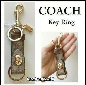 🐎Coach|Signature Key Fob🐎